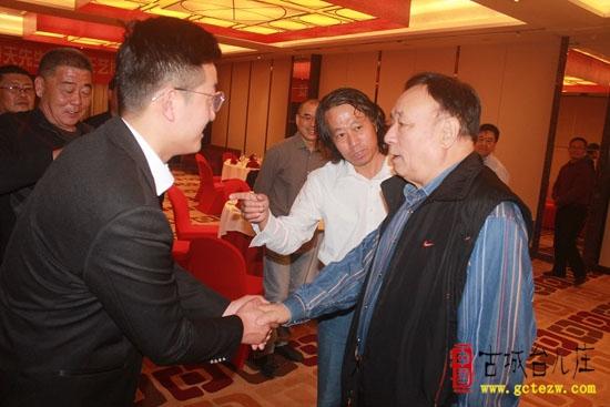 台儿庄王艺博拜人民书画院副院长王春天为师 仪式在京举行(图)